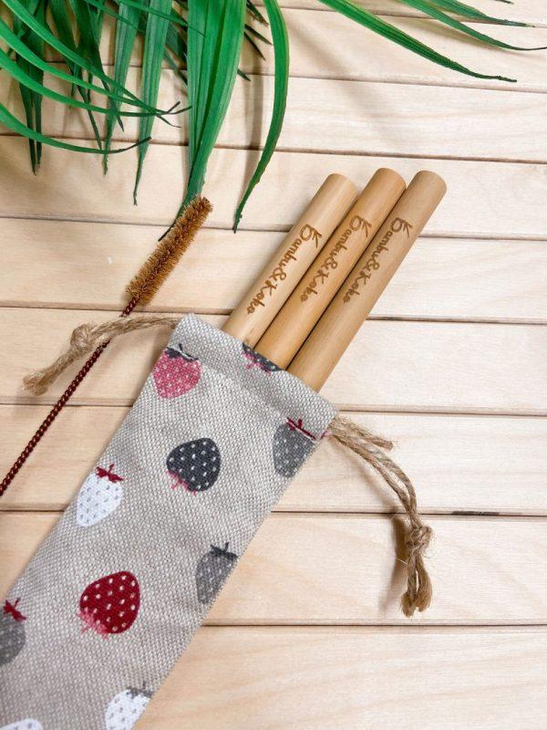 bambusové slamky s jahodovým vrecúškom