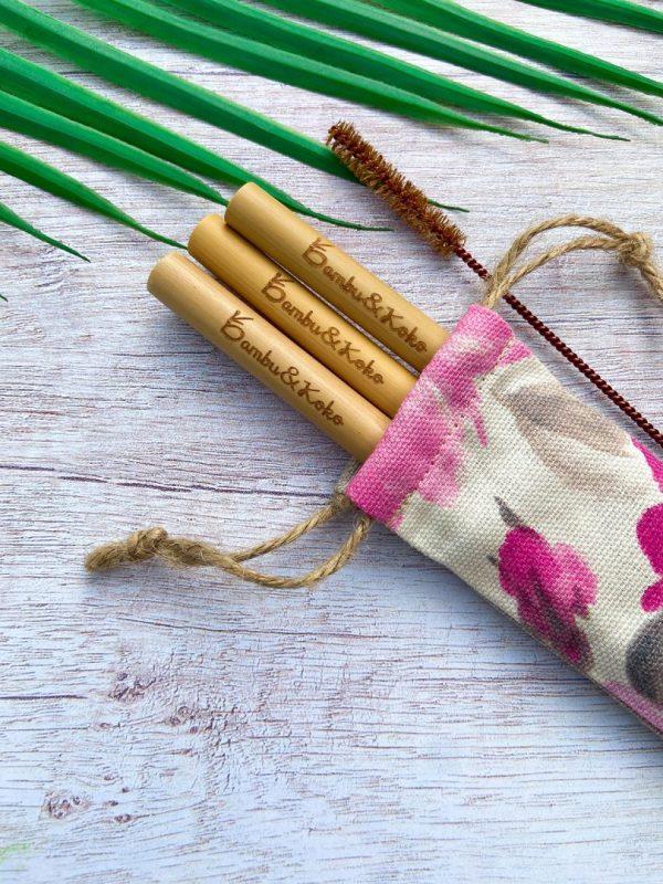 Jahodové vrecúško s bambusovými slamkami