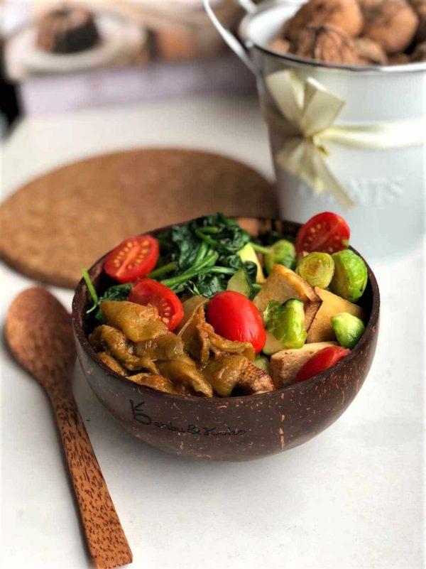 kokosová miska s lyžicou a recept